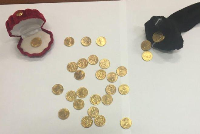 Alessandria, tentano di vendere 28 sterline false, ma vengono scoperti e denunciati