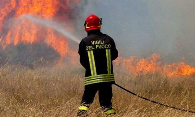Ancora un incendio di sterpaglie a Viguzzolo proprio nella zona dove agisce il piromane. C'è lui dietro?