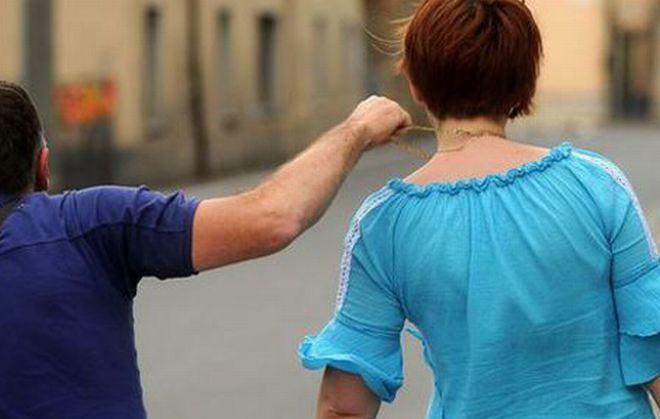In centro a Tortona due donne aggredite alle spalle e derubate delle catenine