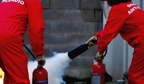 I Vigili del Fuoco di Alessandria spiegano le nuove norme antincendio