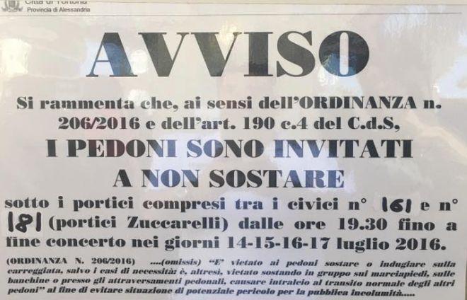 Polemiche su Arena Derthona per un cartello del comune che impediva di……