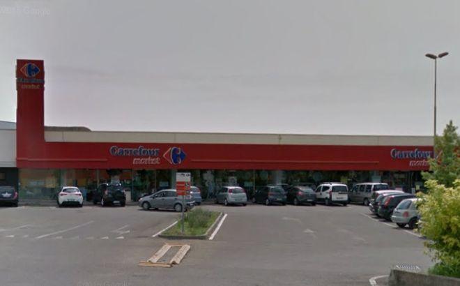 Il Carrefour di Tortona apre 24 ore su 24. I sindacati protestano