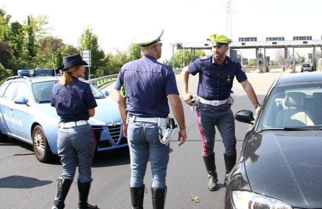 Con la moto a zig zag sull'autostrada, preso dalla Polstrada di Ovada, pagherà 500 euro