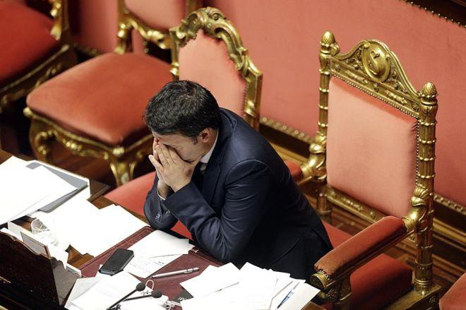 Muliere chiede soldi a Renzi e lo invita a visitare Novi Ligure perché è bella