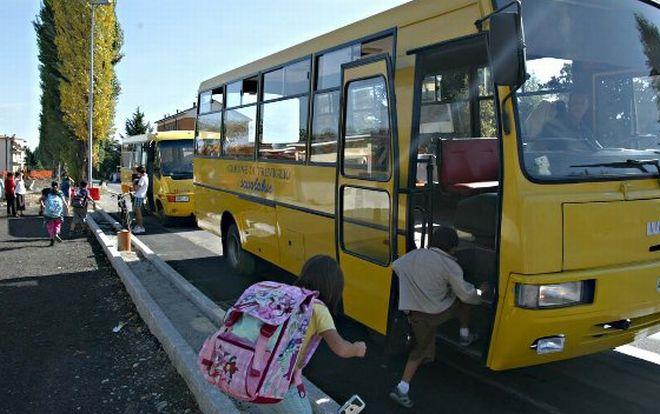 """Cinquestelle di Alessandria: """"Ancora disagi e disservizi per deve usare il servizio scuolabus ed Eccobus."""""""
