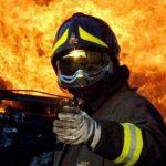 Si incendia un camper, I Vigili del Fuoco di Tortona hanno lavorato quasi tre ore per domare le fiamme. Ingenti i danni