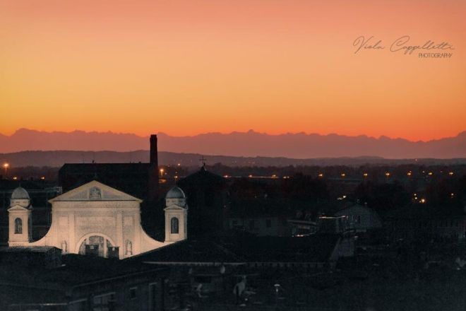 C'é oggi Tortona: Splendida immagine di Viola Cappelletti sulla città