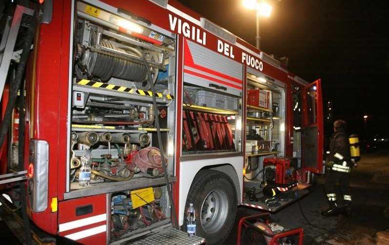 Incendio nella notte a Selvapiana, famiglia chiama i Vigili del fuoco che lavorano per oltre due ore