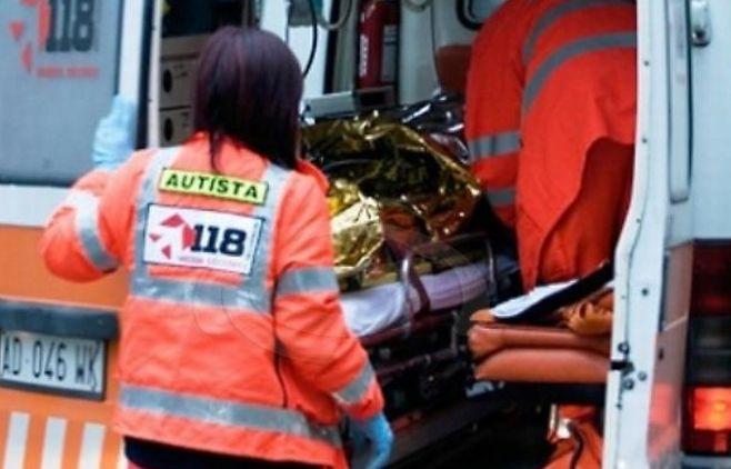 Donna 40enne si capotta con l'auto a Madonna della ruota, ricoverata in ospedale