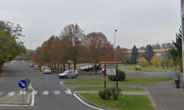 Coppiette, drogati, spacciatori, vandali e sporcizia in via Quinzio, vicino al cimitero