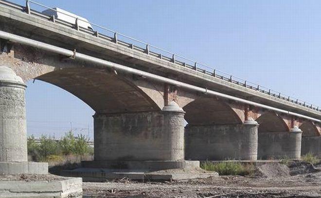 Il ponte sullo Scrivia dopo la pulizia