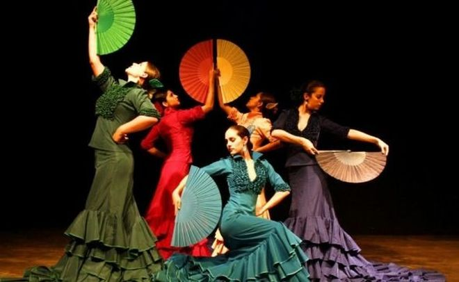 Sapori andalusi a il D-cafè con spettacolo di Flamenco e cena a tema