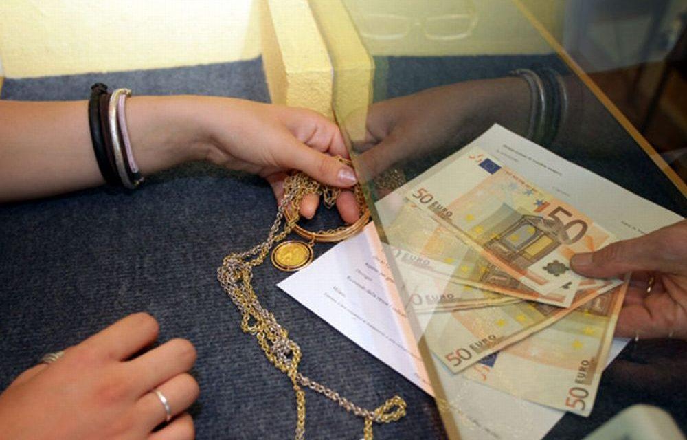 Domestica tortonese ruba 50 mila euro in oro ai padroni di casa e lo rivende, denunciata