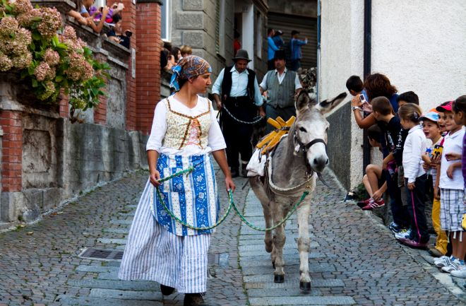 Per tre giorni a Mendatica c'é la Festa della Transumanza con corteo storico e palio delle capre. Il programma