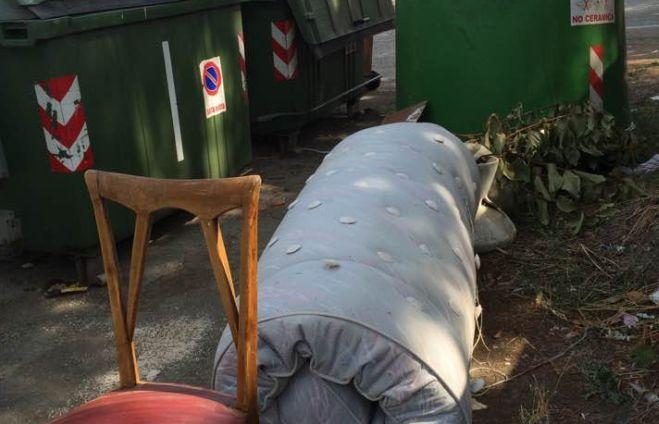 Multa di 600 euro a diversi cittadini di Alessandria che hanno abbandonato rifiuti in strada