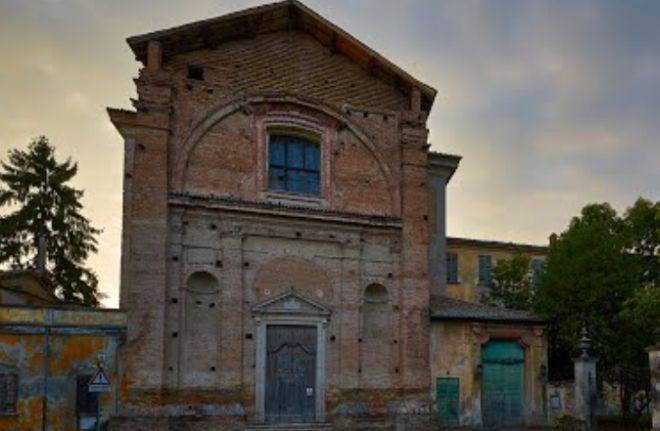 Un fulmine si è abbattuto sulla chiesa di Santa Maria a Rosano di Casalnoceto