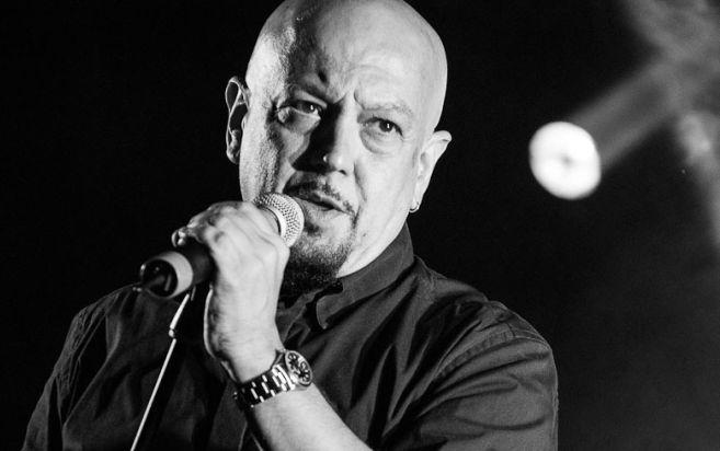 Enrico Ruggeri e la sua band in concerto a Castelnuovo per raccogliere fondi contro il cancro al seno e per i terremotati