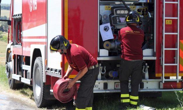 Black out in una zona industriale di Tortona a causa di un incendio in una cabina dell'enel