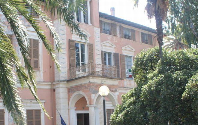 Diano Marina, solo a fine anno tolti i ponteggi a Villa Scarsella