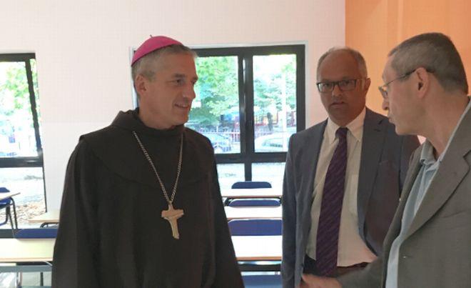 viola e fara vescovo