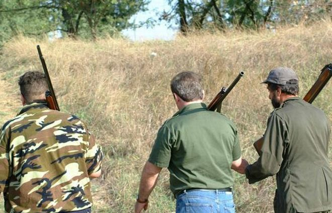 Un acquese perde il fucile da caccia e viene denunciato