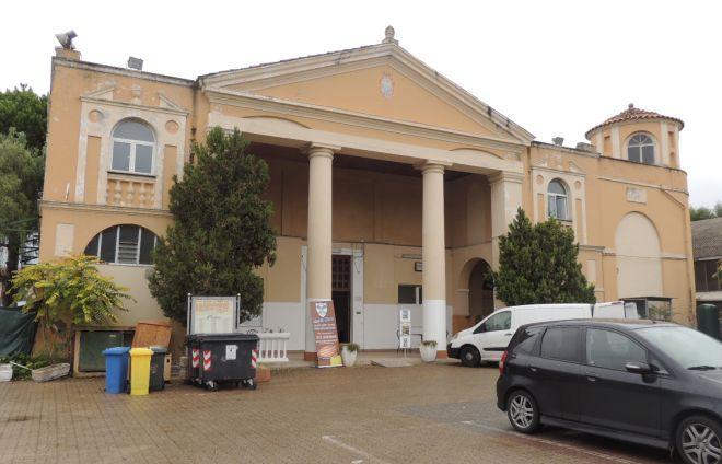 Diano Marina progetta un museo al palazzo del tennis e un auditorium a Villa Scarsella