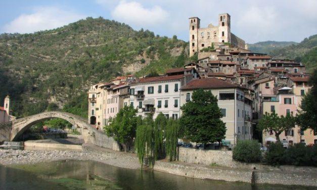 Da Sabato 22 a Martedì 25 giornate di festa a Dolceacqua con l'Expo Val Nervia e i Caruggi in fiore. Il programma completo