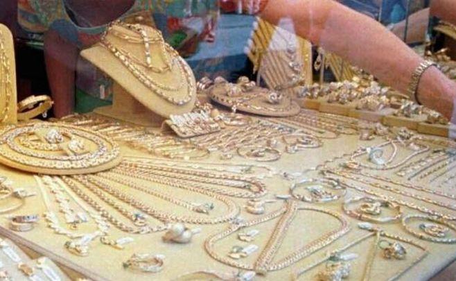 Gli agenti della Questura di Imperia arrestano una ladra di gioielli