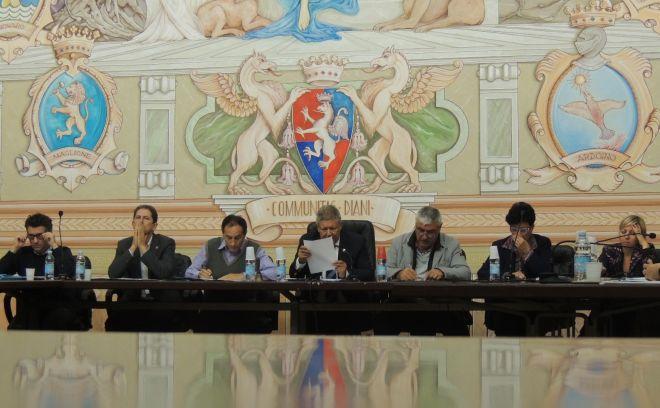 La Giunta-Chiappori trasparente: concede alla minoranza di discutere sui soldi cancellati a GM e sulla Corte dei Conti