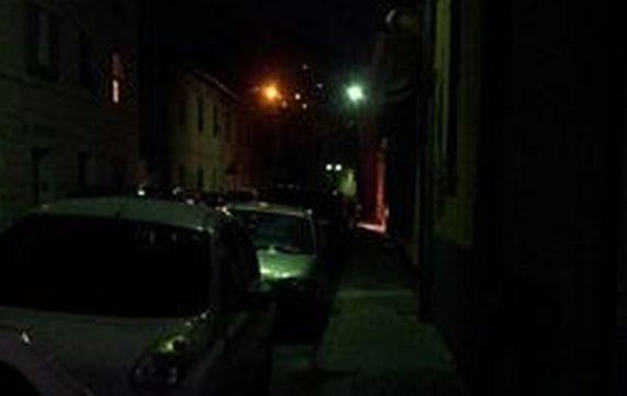 Imperia Oneglia, via Santa Lucia buia e sporca, la gente protesta e non esce di sera per paura
