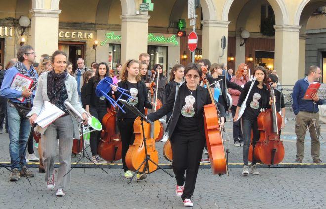 Domenica a Tortona tornano le Invasioni Musicali