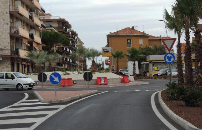 San Bartolomeo, i rifiuti della rotonda nella discarica degli inerti a Case Scofferi