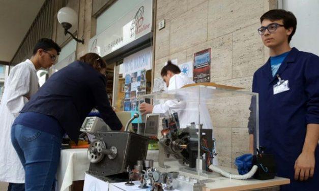 Il Marconi alle Bancarelle scientifiche, iniziativa finanziata dalla Fondazione Cassa Risparmio di Tortona