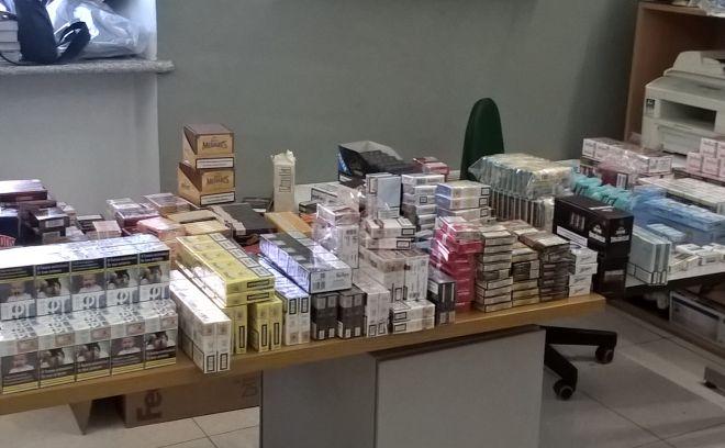 Due titolari di un bar di Castelnuovo vendevano sigarette senza autorizzazione. Denunciati dalla Finanza