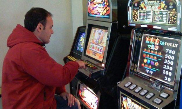Lunedì a Novi Ligure una conferenza-spettacolo sul gioco d'azzardo