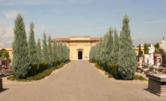 """L'associazione """"The Woman"""" sabato in visita guidata al cimitero di Voghera"""