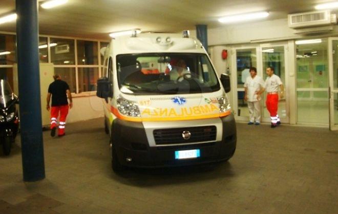 A Sale una giovane donna partorisce una bimba in ambulanza. Un plauso a medico e infermiere del 118