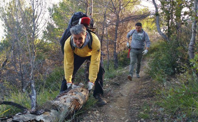 Sacrificano il loro tempo libero per pulire (gratis) i sentieri di Cervo e del Golfo Dianese