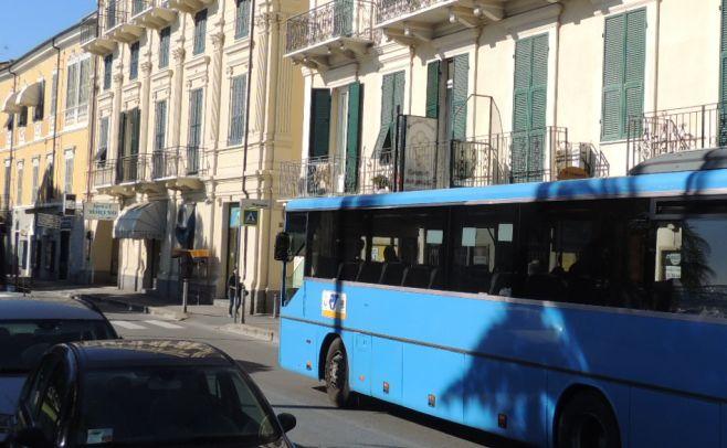 Le date delle interruzioni delle linea ferroviaria del Ponente sostituiti dai bus