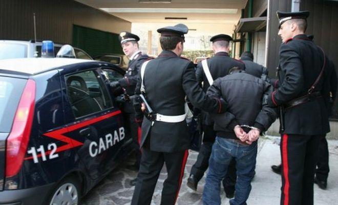 I carabinieri di Tortona arrestano un nordafricano con 10 grammi di cocaina davanti alle scuole