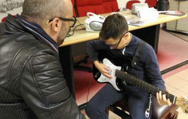 Boom di iscrizioni per  i nuovi corsi di chitarra e canto all'istituto Pergolesi di Sanremo e a Santo Stefano al mare
