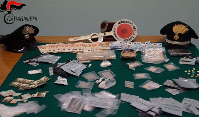 Noto di Dj di Bordighera arrestato perché spacciava droga ai giovani. Sequestrati soldi, coca, eroina e altro