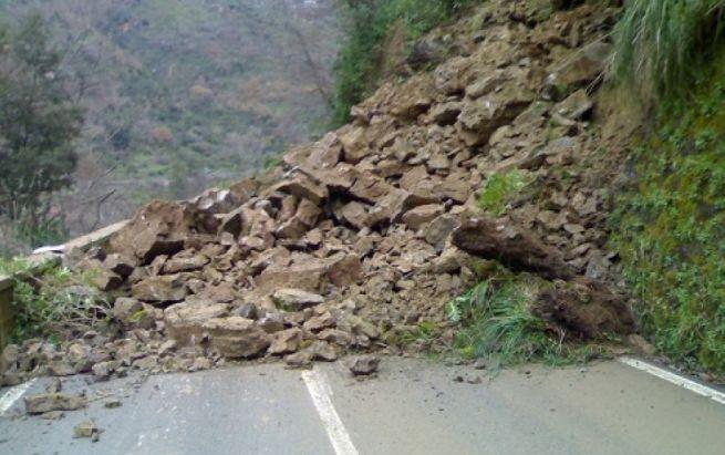 Al  via i lavori per riaprire la provinciale tra Spigno e Pareto a seguito della frana avvenuta ieri mattina