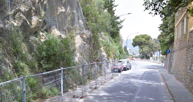 Un immagine della montagna crollata che risale all'estate scorsa.