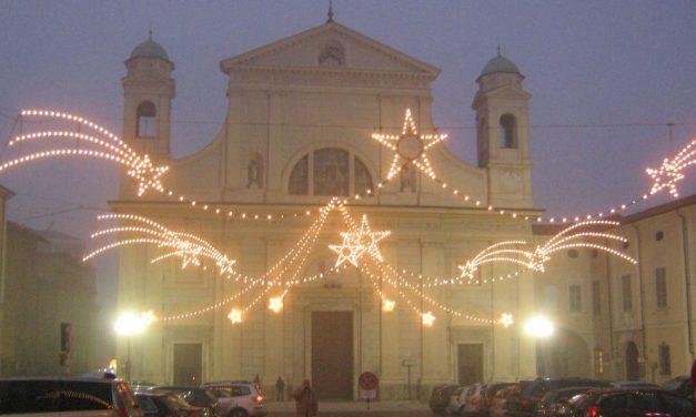 Luminarie in ritardo a Tortona, saranno accese dopo l'8 dicembre. Forse è l'ultimo anno che paga Simecom. Nel 2017 al buio?