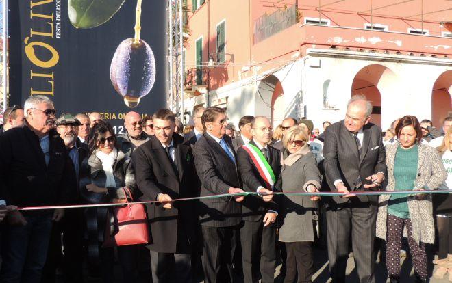 Inaugurata Olioliva, la manifestazione d'eccellenza di Imperia con 200 espositori e migliaia di persone