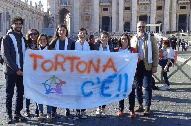 I volontari del Servizio Civile di Tortona accompagnati dal sindaco Bardone in udienza dal Papa