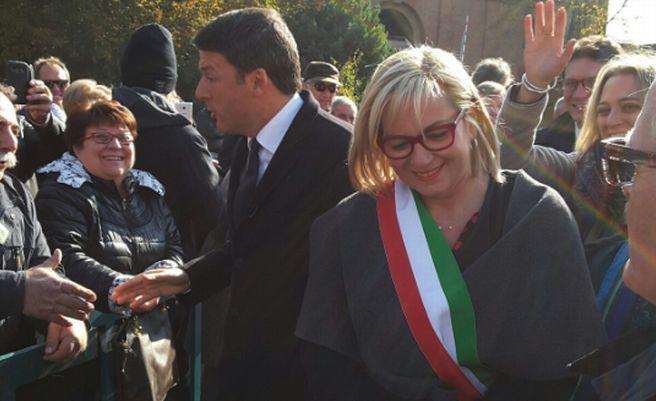 Le immagini del Premier Renzi in Alessandria: strette di mano e sorrisi con Rossa e la gente