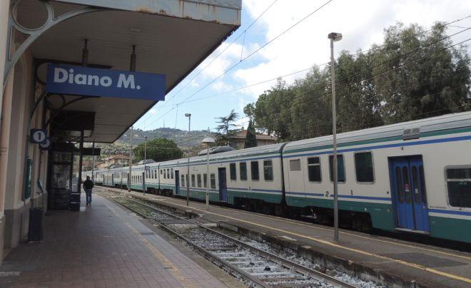 Da ieri partono ancora i treni dalla stazione di Diano Marina. Fino al 10 dicembre poi stop definitivo
