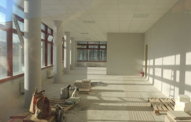 A circa tre settimane dall'apertura la nuova stazione di Diano è ancora un cantiere aperto. Le immagini